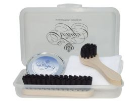 Click to enlarge image Konig-leather-cleaning-kit.jpg